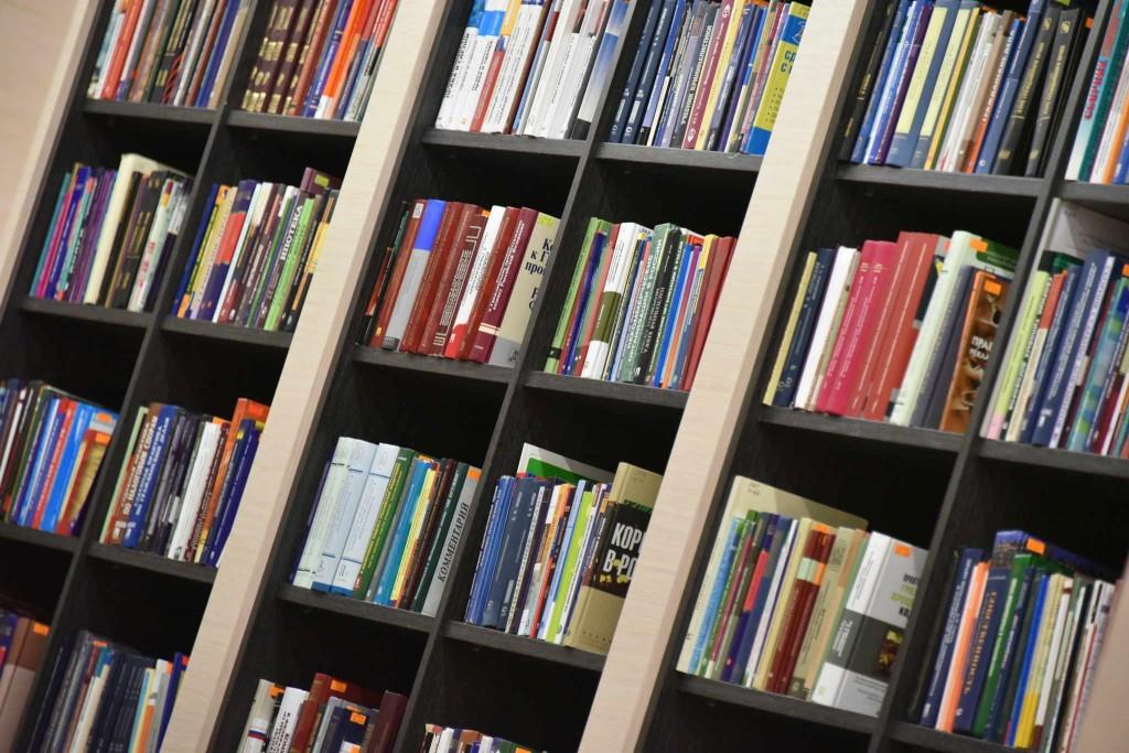 Интернет подвинул книги и снизил грамотность