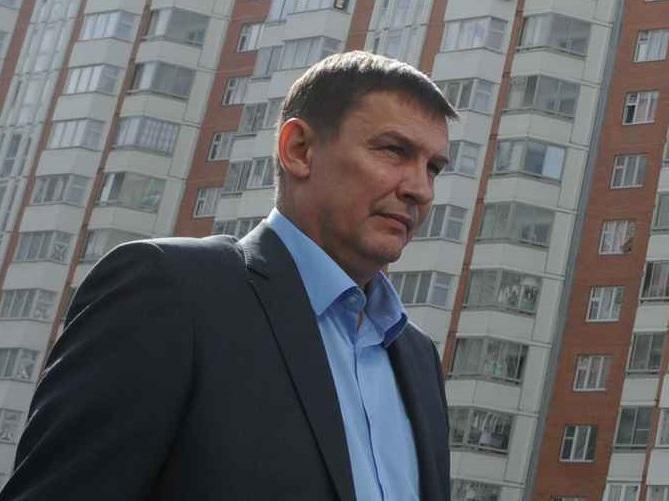 2 Сентября 2014 Сергей Собянин бесдует с кандидатом в депутаты МГД Андреем Шибановым, в районе Некрасовка