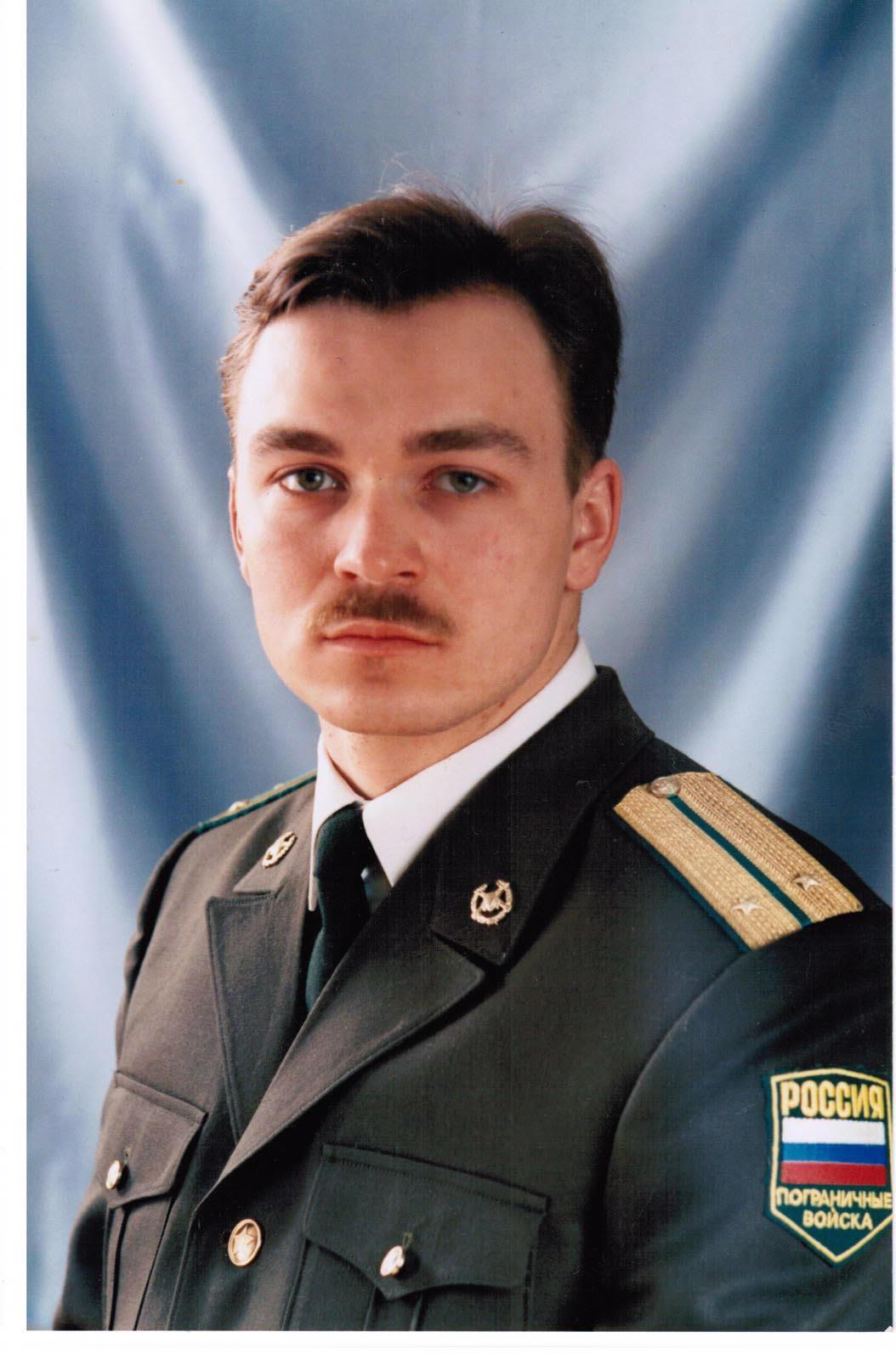 Армейские истории: зачем курсанту ворона и что снится пожарным