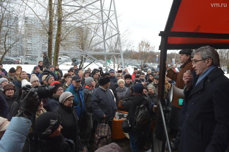 Жители Теплого Стана вышли на улицы для решения резонансной проблемы