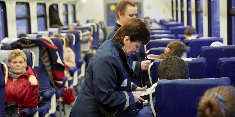 Около 20 процентов пассажиров электричек не оплачивают проезд