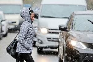 Дата: 08.10.2015, Время: 10:17 Первые снег в Москве. Улица Лефортовский вал