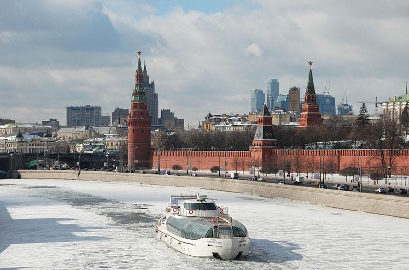 На Москве-реке может затонуть прогулочный теплоход
