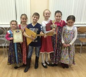 Детский фольклорный ансамбль «Зоренька». Фото: Елена Заварзина.