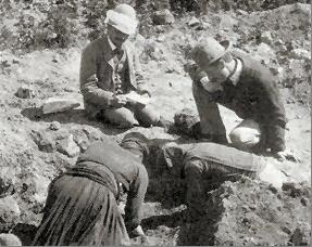 Раскопки в Кноссе. На фото Артур Эванс. Фотоархив Wikipedia