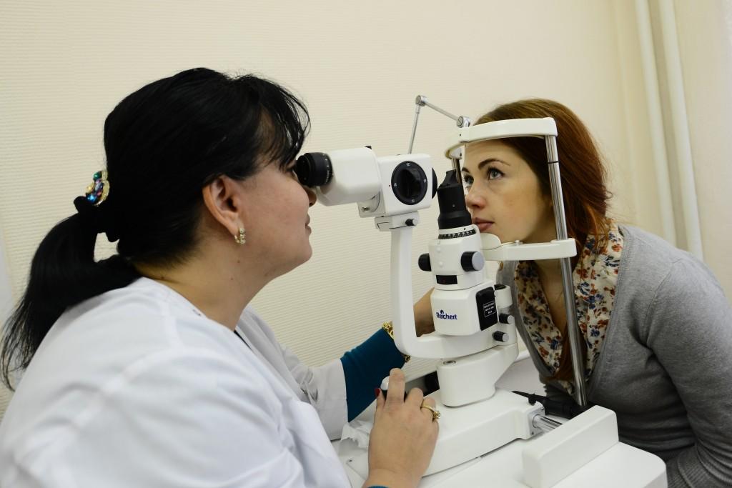 Жители Москвы смогут бесплатно проверить зрение до 11 марта
