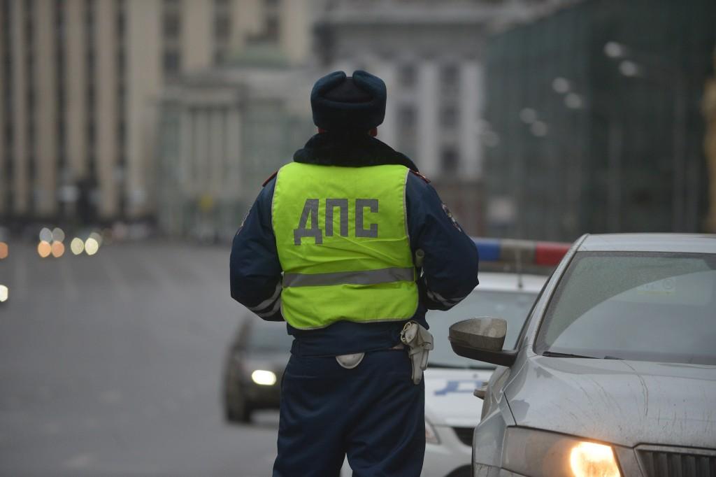 В аварии на западе Москвы один из автомобилей потерял колеса