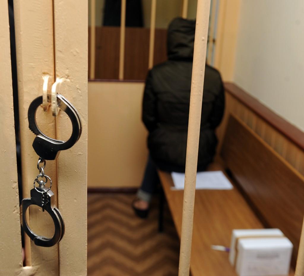 Судьбу обвиняемой в поддержке терроризма студентки решит военный суд