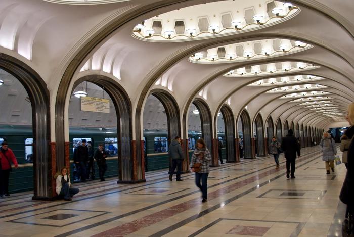 На «зеленой» ветке Московского метро задерживаются поезда