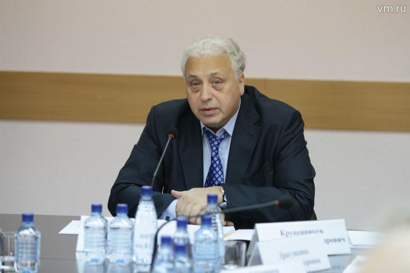 Леонид Печатников рассказал о средней зарплате московских врачей