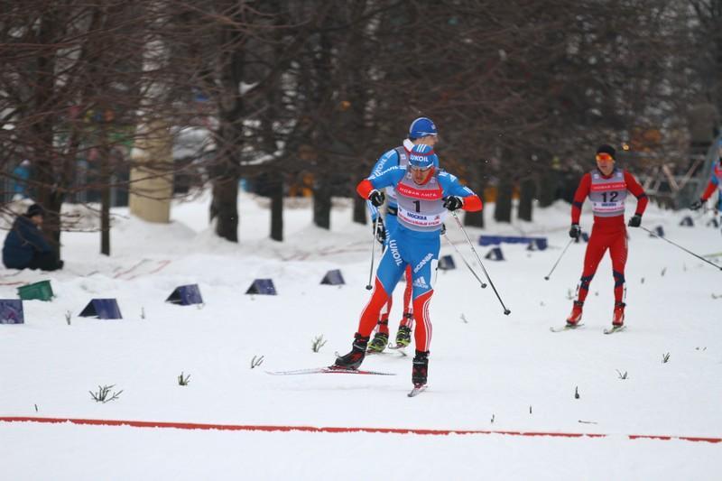 Первые в мире соревнования по могулу прошли в Москве