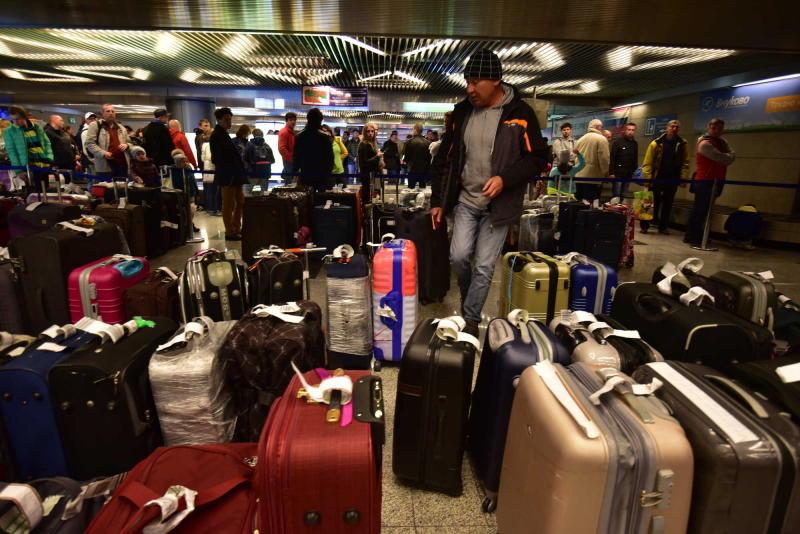 Из-за метели в аэропортах отменили 106 рейсов