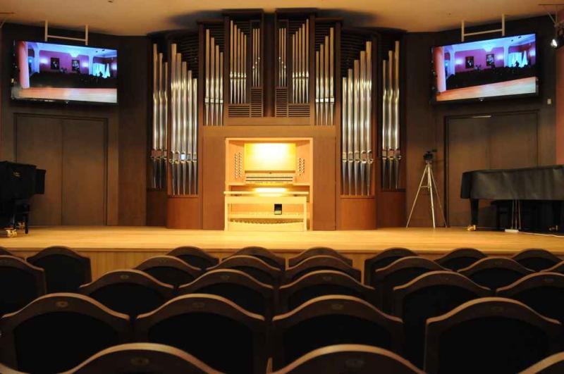 На сцене Троицкого Центра культуры и творчества исполнят «Гимн женщине»