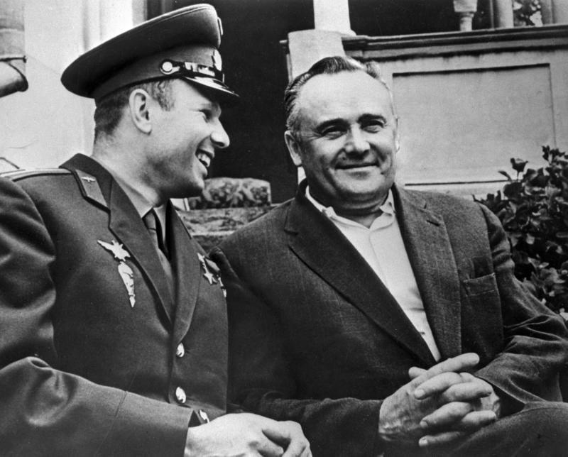 Королев и Гагарин - первооткрыватели космической эры в истории Человечества