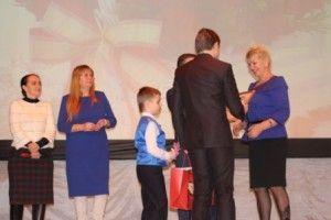 Вручать награды будет глава поселения Ольга Вдовина. Фото: сайт школы №2073