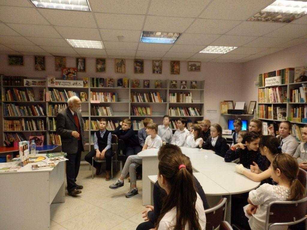 Дети из Воскресенского встретились со знаменитым писателем
