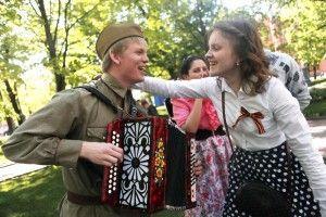 Сегодня телеканал «Москва 24» запускает ко Дню Победы специальную акцию «Споем вместе»