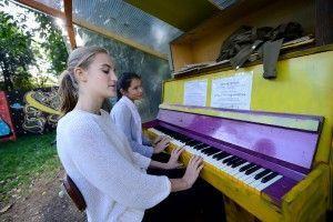 В парке «Сокольники» 19 апреля появятся два пианино