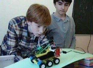 Робот-манипулятор команды школы №6. Фото: сайт школы №6.