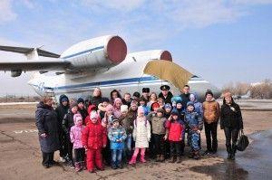 Молодежный парламент устроил детям экскурсию на аэродром