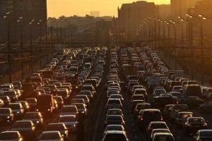 В выходные в связи с началом дачного сезона на дорогах ожидаются пробки