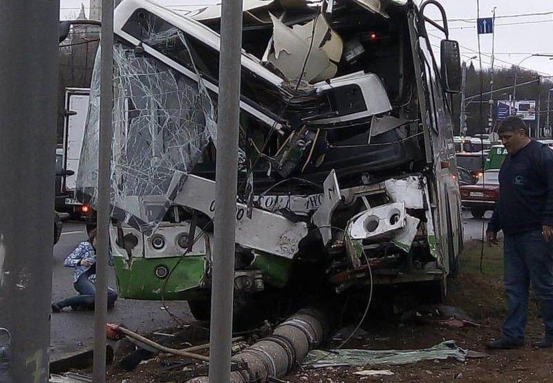 В результате аварии на юго-западе Москвы пострадали четыре человека
