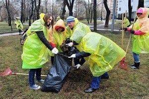 """Во втором общегородском субботнике, который прошел 23 апреля, приняло участие 1 миллион 841 тысяча москвичей. Фото: Агентство городских новостей """"Москва""""."""