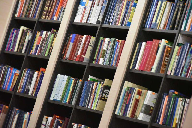 В Десеновском организуют книжный клуб для мам