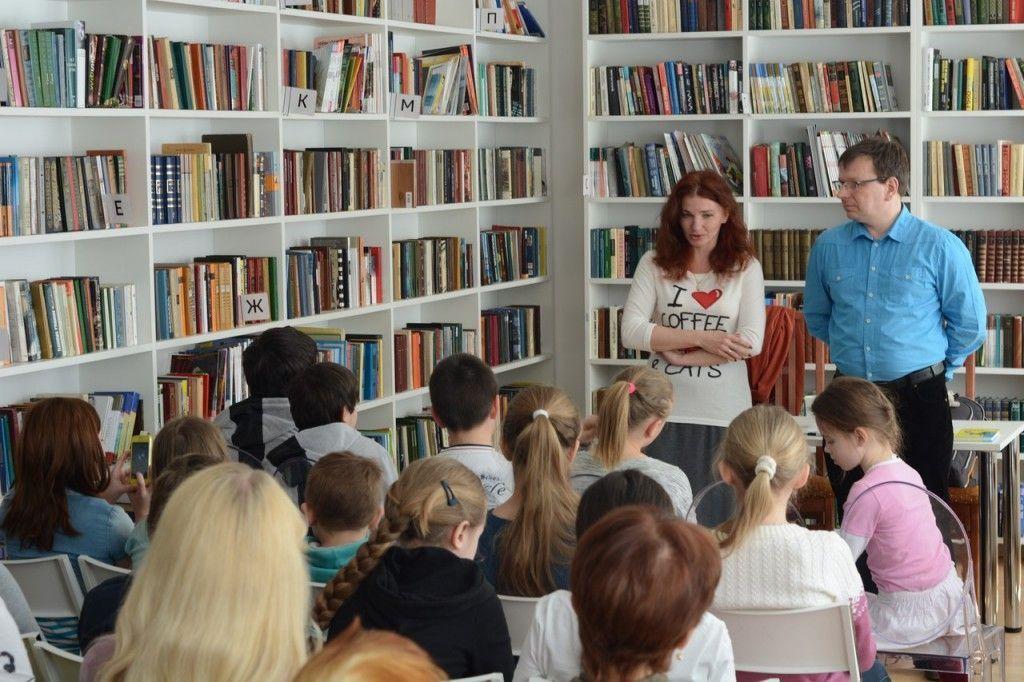 Известные детские писатели приехали в Сосенское