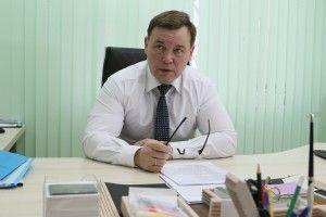 Зампрефекта ТиНАО по вопросам транспорта, связи, гаражного хозяйства Виталий Семенов