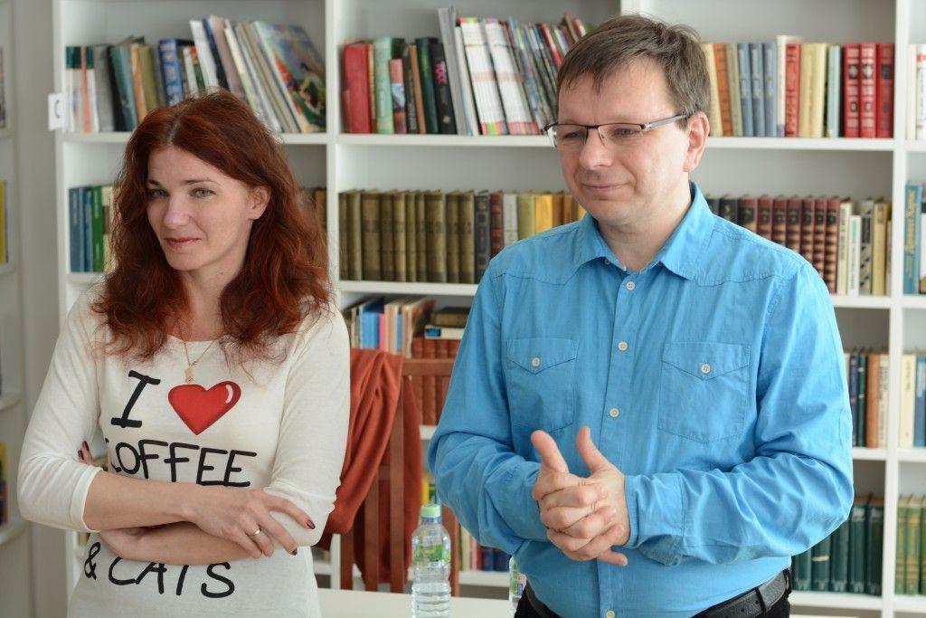 Детские писатели Евгения Пастернак и Андрей Жвалевский встретились с читателями в поселении Сосенское