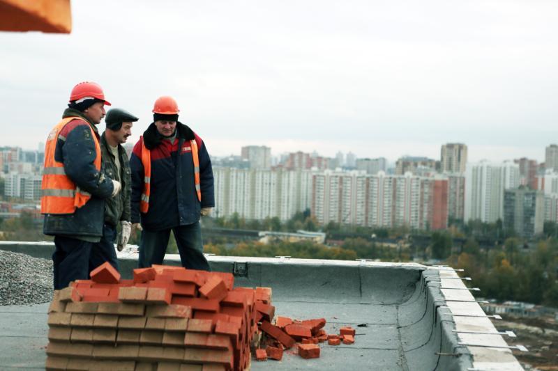 """Продолжается активное строительство. Фото: """"Вечерняя Москва"""""""
