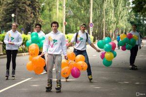 21 мая 2016 года. ВДНХ. На праздновании двухлетия «Активного гражданина» пользователи портала могли бесплатно взять напрокат велосипеды и ролики