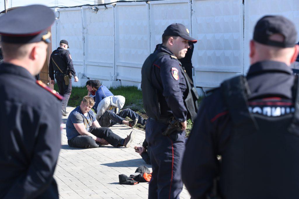 В Москве арестовали пятерых участников драки на Хованском кладбище