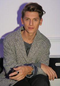 Владислав Лисовец стилист