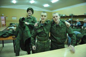 """Призывники из Западного Дегунина идут служить в сухопутные и ракетные войска Российской армии. Фото: архив """"ВМ"""""""