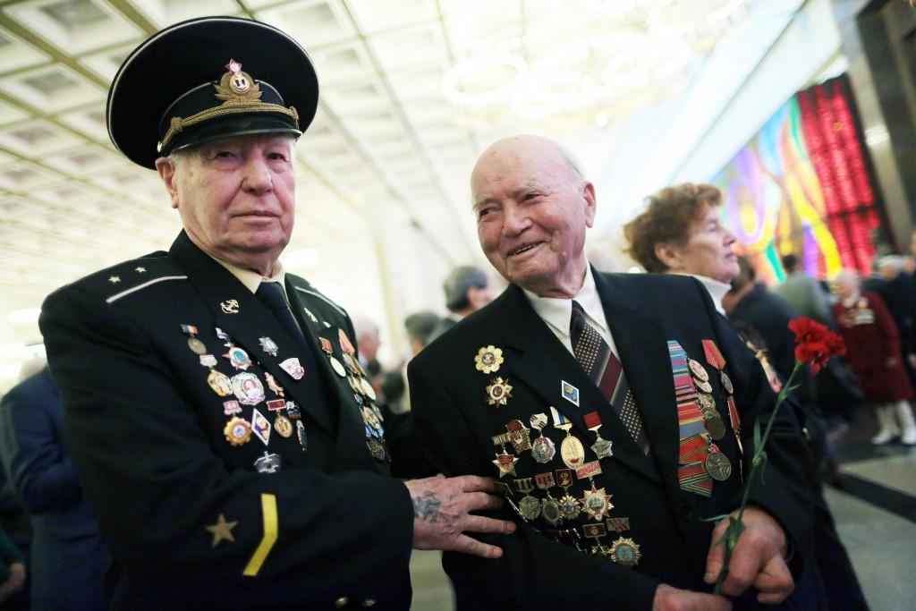 Московские водители будут бесплатно подвозить ветеранов