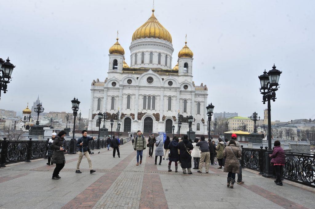 Ученики православной школы Первомайского получат аттестаты в Храме Христа Спасителя