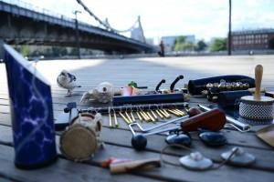 В Гончаровском парке у пруда открылась специальная площадка для выступлений уличных музыкантов