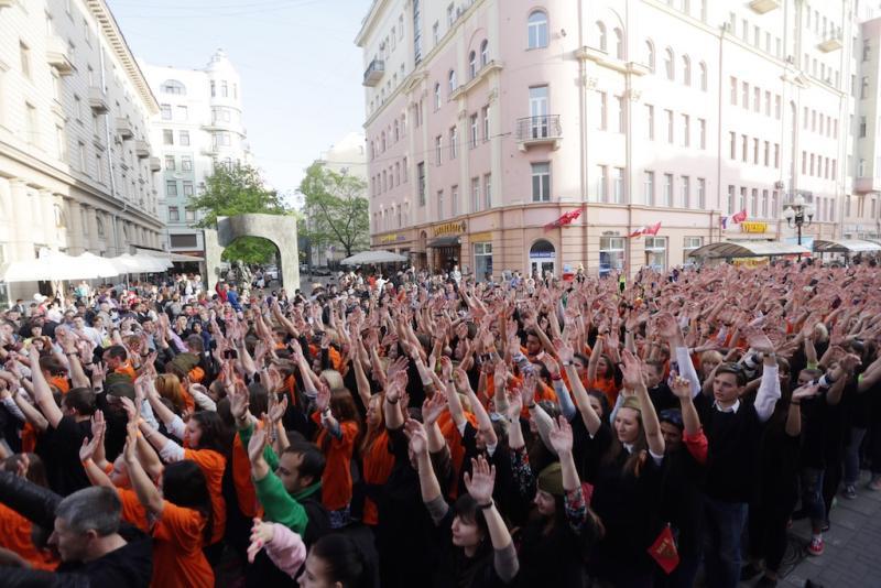 Флешмоб ко Дню Победы. Фото архивное.