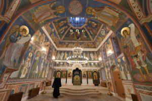 Вчера в столичном храме Святого преподобного Иоанна Кронштадтского появилась новая святыня
