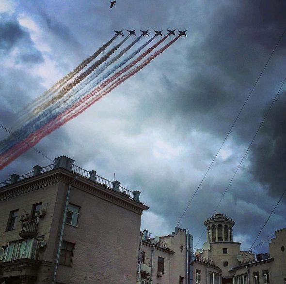 Первая репетиция воздушной части парада Победы завершилась в Москве