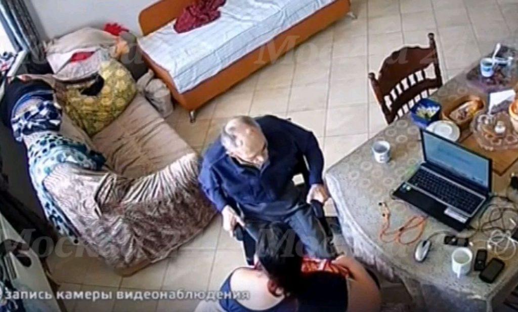 В Московской области по обвинению в истязании пенсионера-изобретателя арестована сиделка