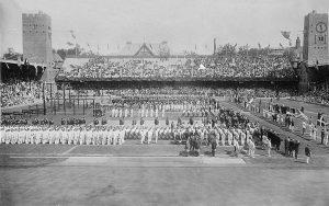 Открытие Олимпийских игр в Стокгольме, 1912 год. Фотоархив Wikipedia
