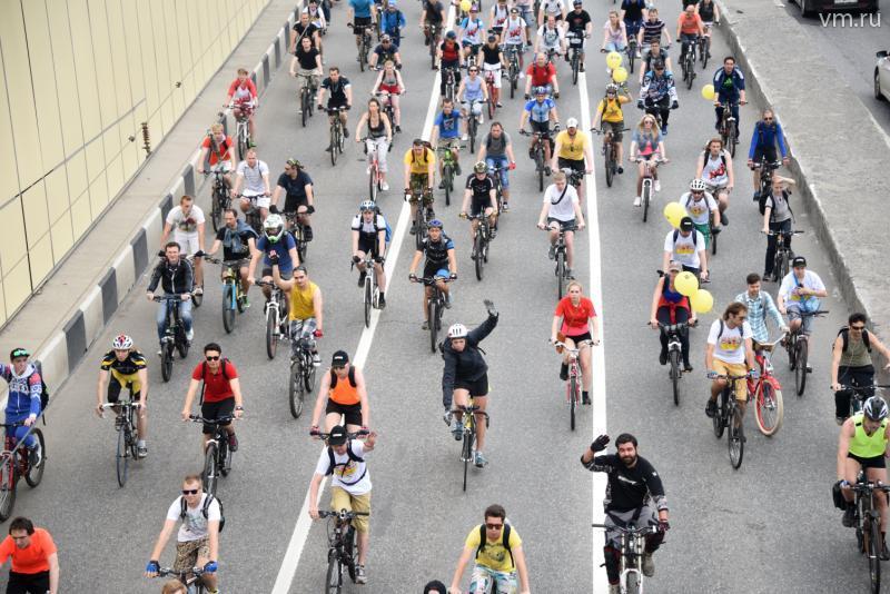 Велопарад стартовал в центре Москвы
