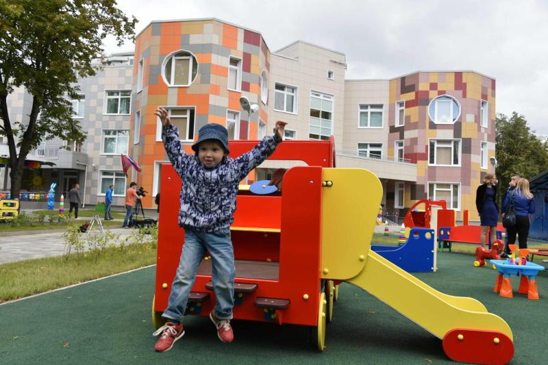Детский сад и школу введут в Коммунаркe к началу учебного года