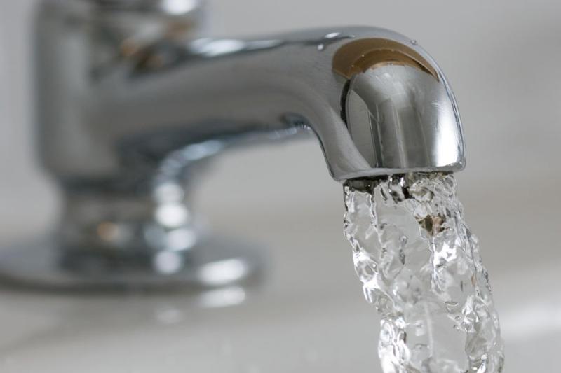 Плановые отключения горячей воды стартовали в Москве 10 мая
