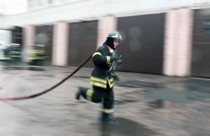 При пожаре в доме на улице Поклонная спасены пять человек