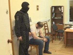 Полицейские задержали подозреваемых в вымогательстве денег у таксистов в Москве