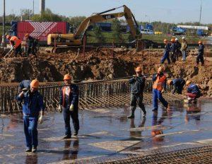 Строительство дороги. Фото архивное
